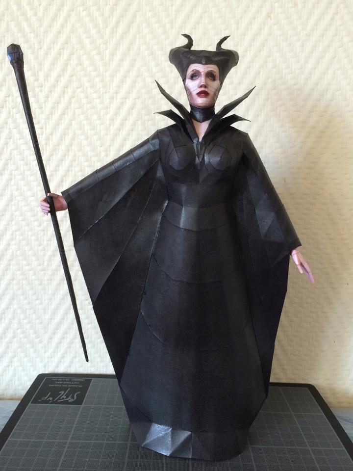 maleficent_papercraft_download_by_darcrash-d7svpse