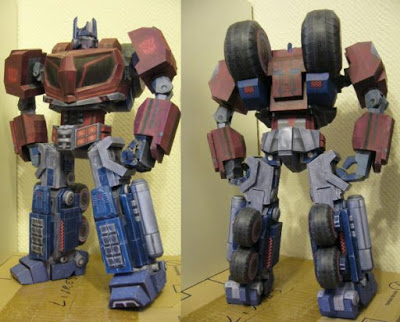 War-For-Cybertron-Optimus-Prime-Papercraft