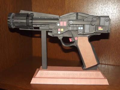 Battlestar-Galactica-Blaster-Papercraft
