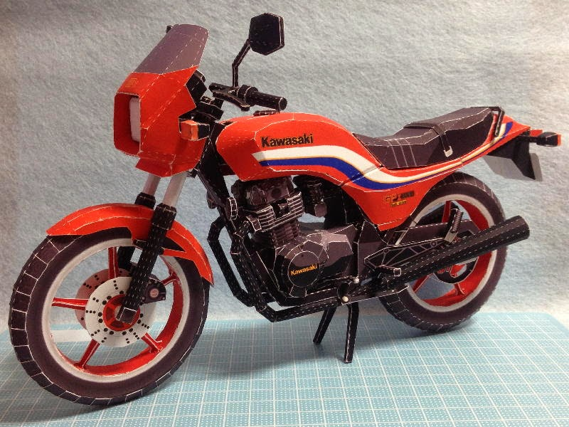 Billy Craft Honda >> Moto Kawazaki GPZ-250 Papercraft